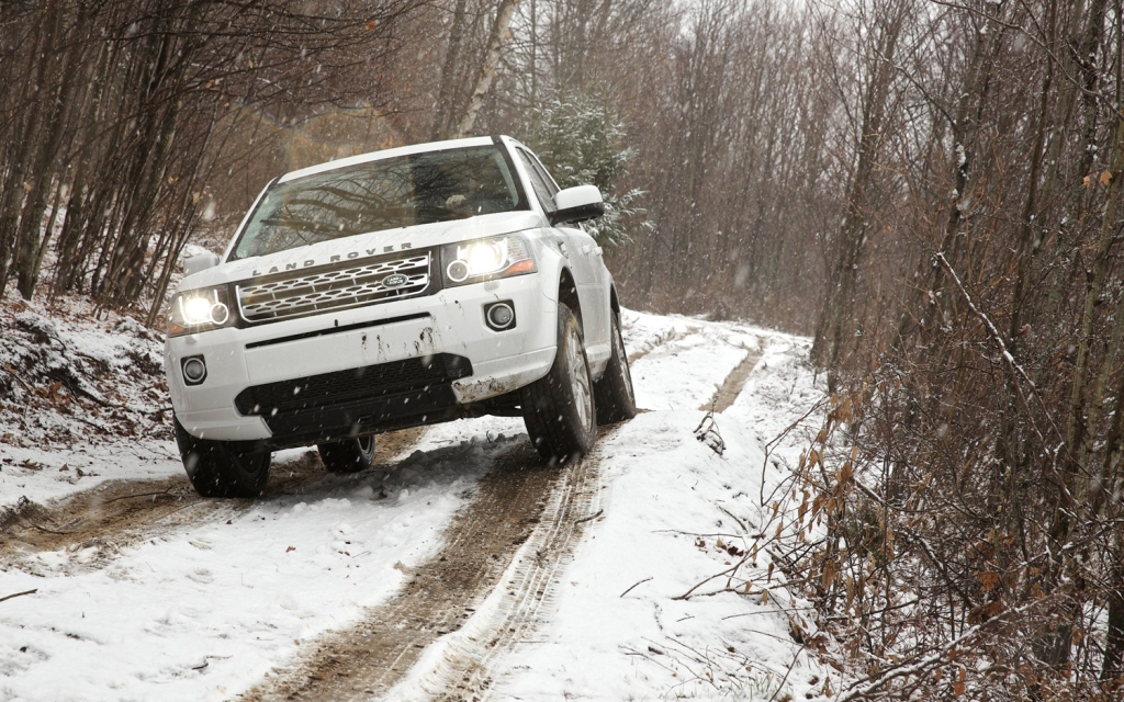 2013-land-rover-lr2-front-end-off-road-4